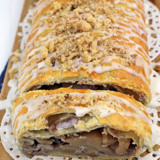 Easy Puff Pastry Apple Strudel.