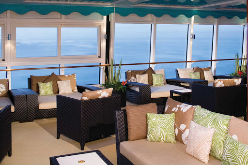 Norwegian-Gem-Pool-Lounge - Enjoy the view and great conversation with your partner or friends at one of Norwegian Gem's many contemporary lounges.