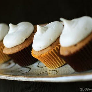 Pumpkin Maple Chip Cupcakes.