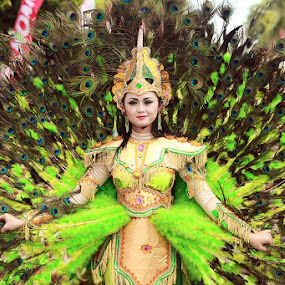 Peacock Queen by Oddy Widyantoro - People Fashion ( banyuwangi, ethnic, carnival, merak )