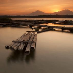 Traditional Boat. by Nugroho Kristanto - Landscapes Sunsets & Sunrises ( cengklik, rakit, lake, traditional, boat )