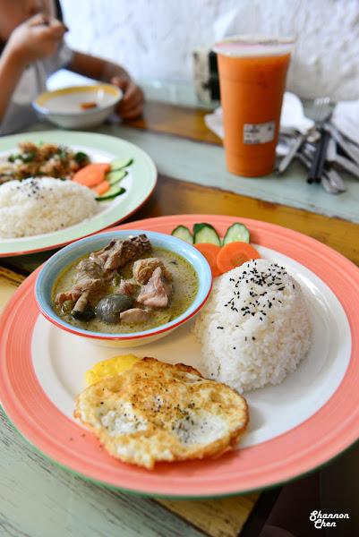 台中南區[THAI泰好喝泰式茶(忠孝店)]泰式料理、泰式小吃、泰式茶、中餐、下午茶、甜點、手搖飲品