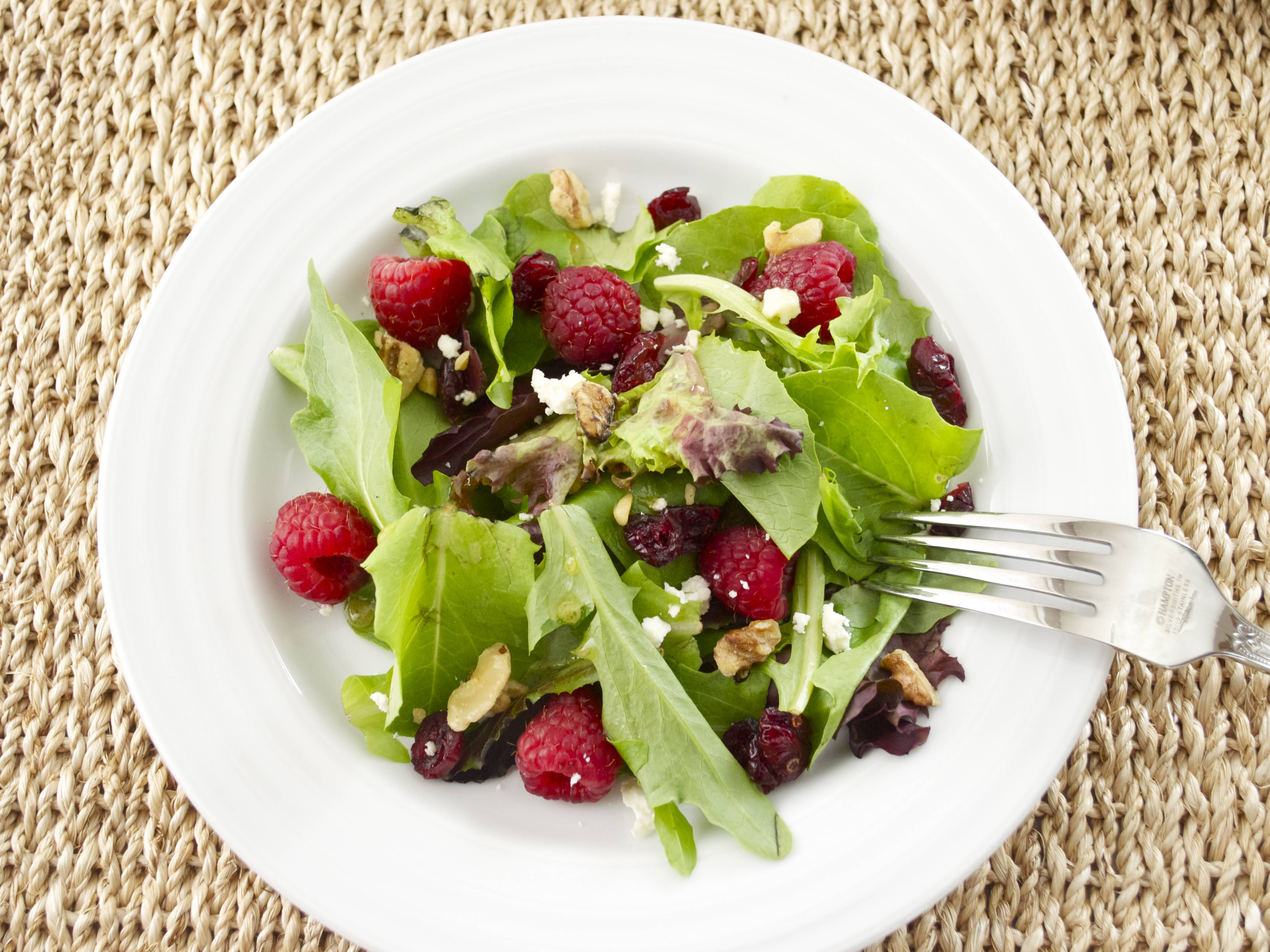10 Best Lettuce Salad With Fruit And Nuts Recipes Yummly