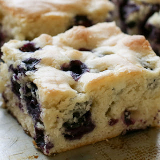 {Six Ingredient} Blueberry Snack Cake - traditional and gluten free recipes.