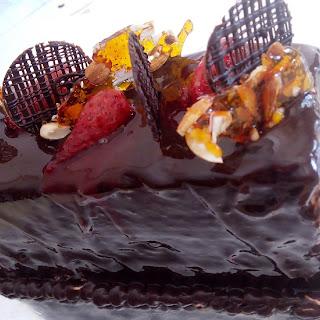 Beautiful Chocolate Cake; Easy Recipe