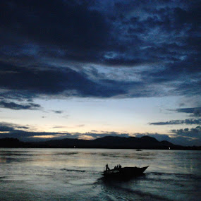 WAY TO HEAVEN by Soumitra Biswas - Landscapes Sunsets & Sunrises ( india tourism, indian river, joy ride, river of india, river )