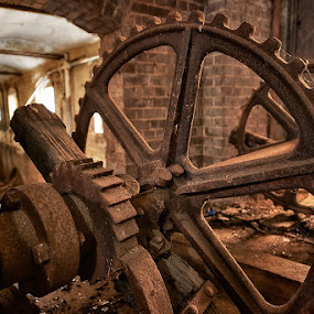Motions End by Jim Merchant - Artistic Objects Industrial Objects ( machinery, cogs, rusting, frozen, abandoned )