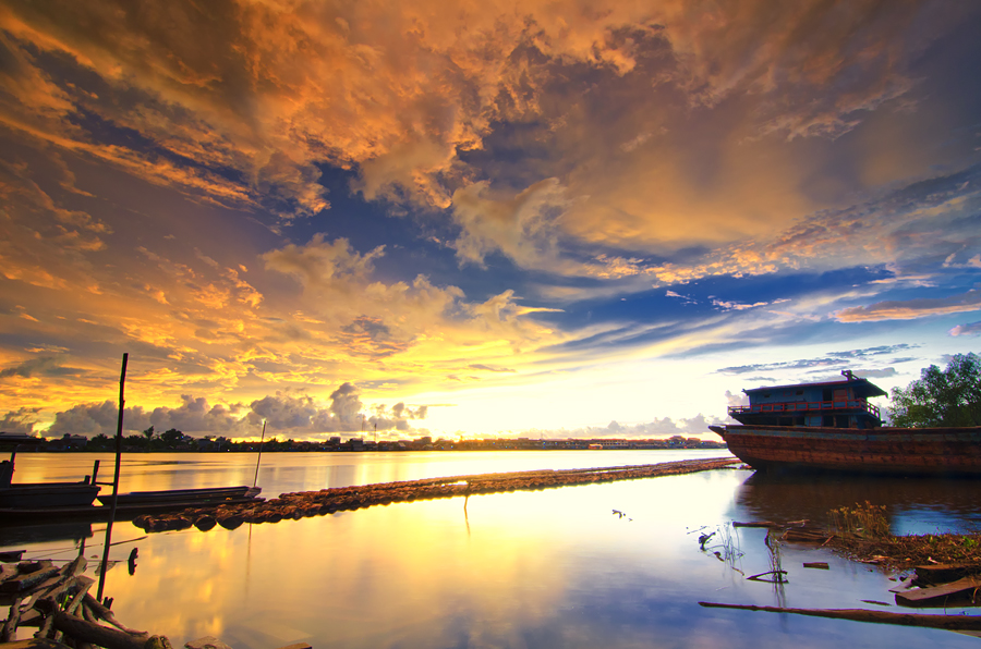 Sekura Lovely by Eris Suhendra - Landscapes Sunsets & Sunrises ( clouds, sky, sunset, indonesia, kalimantan, landscape, river )