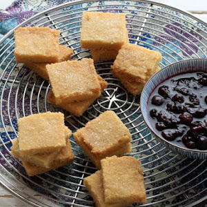 Shortbread, Blueberry Compote and Yogurt