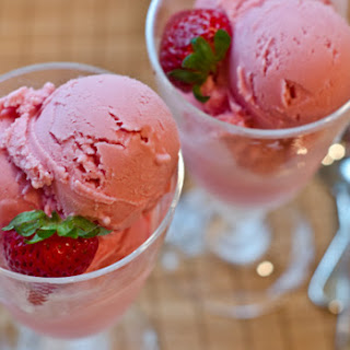 Strawberry Frozen Yogurt.