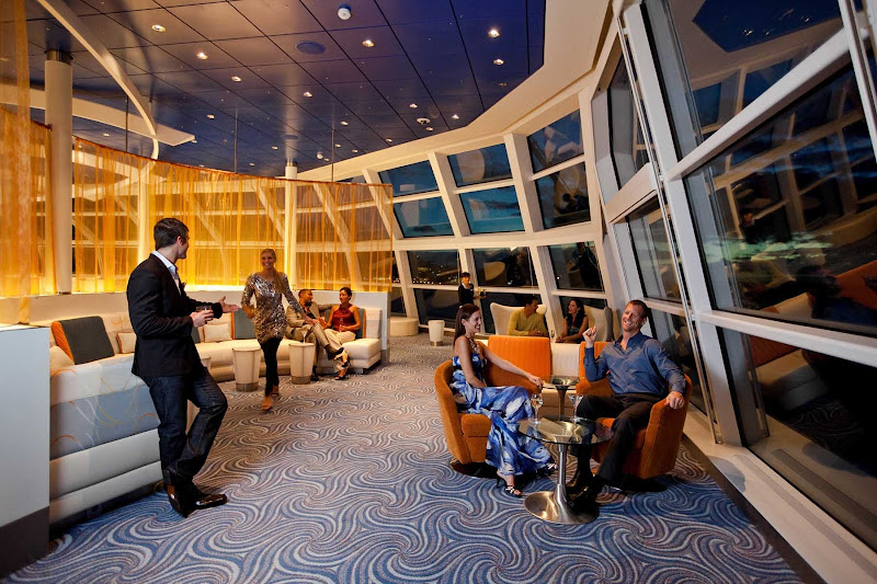 During the evening, Celebrity Solstice's Sky Observation Lounge becomes the ideal spot to kick back and enjoy drinks in the company of friends.