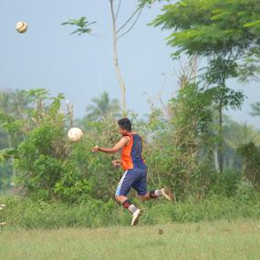 heading... which ones?? by Danang Kusumawardana - Sports & Fitness Soccer/Association football