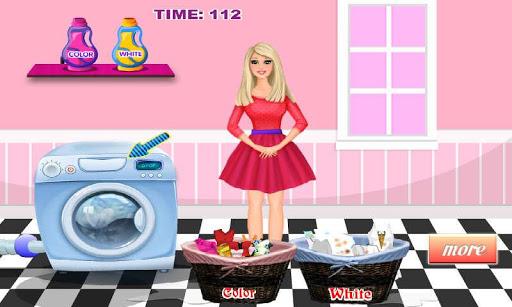 Princess Washing Clothes