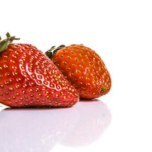 (LR) RESIZED Strawberries (6 of 16).jpg