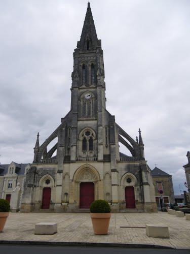 photo de Saint Pierre - BECON-les-GRANITS
