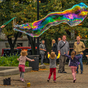Touch it by Johannes Mikkelsen - People Family ( colorful, stare, catch, children, run, tamron, running, people, norway, d800, family, oslo, norge, nikon, girls, photomatix, hdr, karljohan, park, colors, art, central park, poland, bubble, touch, see, artistic, soap, KidsOfSummer )