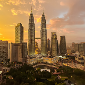 Suria KLCC (KL Twin Towers) by Teng Formoso - City,  Street & Park  Skylines