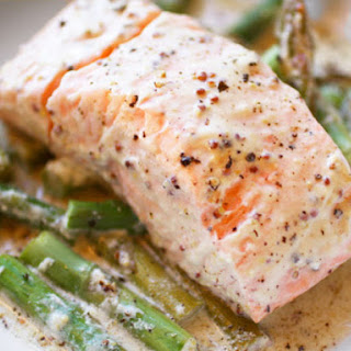 Mustardy Salmon in a Packet with Asparagus