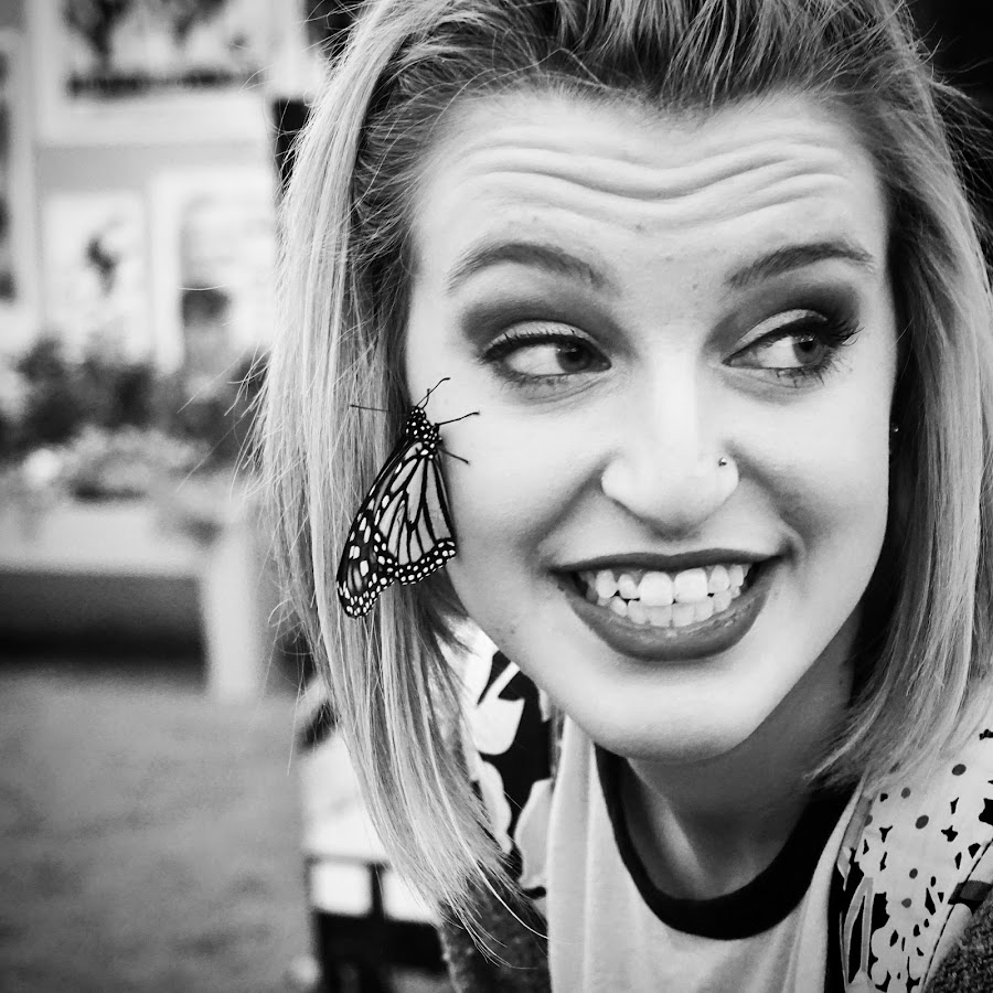 by Julie Dabour - People Street & Candids