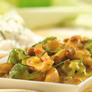 Kip-kerrie Met Roergebakken Broccoli En Rozijnen