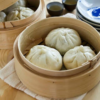 Char Siew Bao (Steamed Barbecued Pork Buns).
