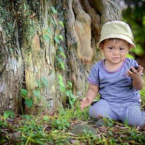 hmmm by Darlis Herumurti - Babies & Children Children Candids