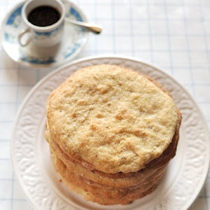 Olive Oil and Anise Cakes (Torta de Aceite)