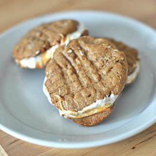 """""""Fluffernutter"""" Sandwich Cookies."""