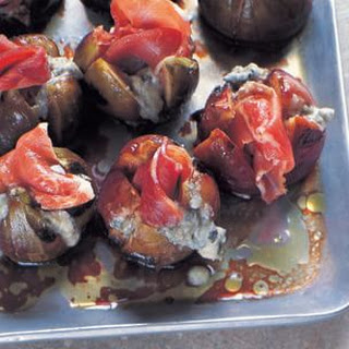 Grilled Figs with Prosciutto and Gorgonzola.