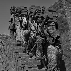 Working women by Kaushik Dolui - People Group/Corporate ( people )
