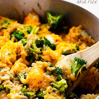 One Pan Cheesy Chicken with broccoli and Rice