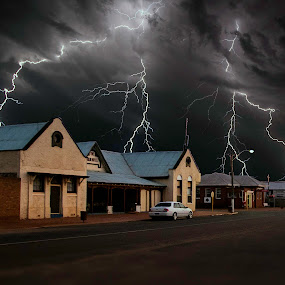 Outback attack by Craig Eccles - News & Events Weather & Storms ( thunder, lightning strike, lightning, lightning bolt, thunder strike, news, event, weather, thunder bolt, town, storm, rain,  )