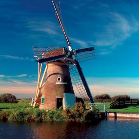 Hoop Doet Leven windmill by Pete Bobb - Buildings & Architecture Public & Historical ( autumn, blue, waterpump, holland, windmill,  )