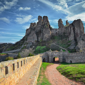 Belogradchik fortress by Ivan Ivanov - Buildings & Architecture Public & Historical ( sky, fortress, historic district, rocks, bulgaria )