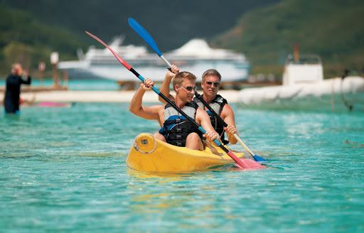 Motu_Mahana_kayaking - Off the coast of Taha'a in the Society Islands lies the islet of Motu Mahana, the Paul Gauguin's private retreat.