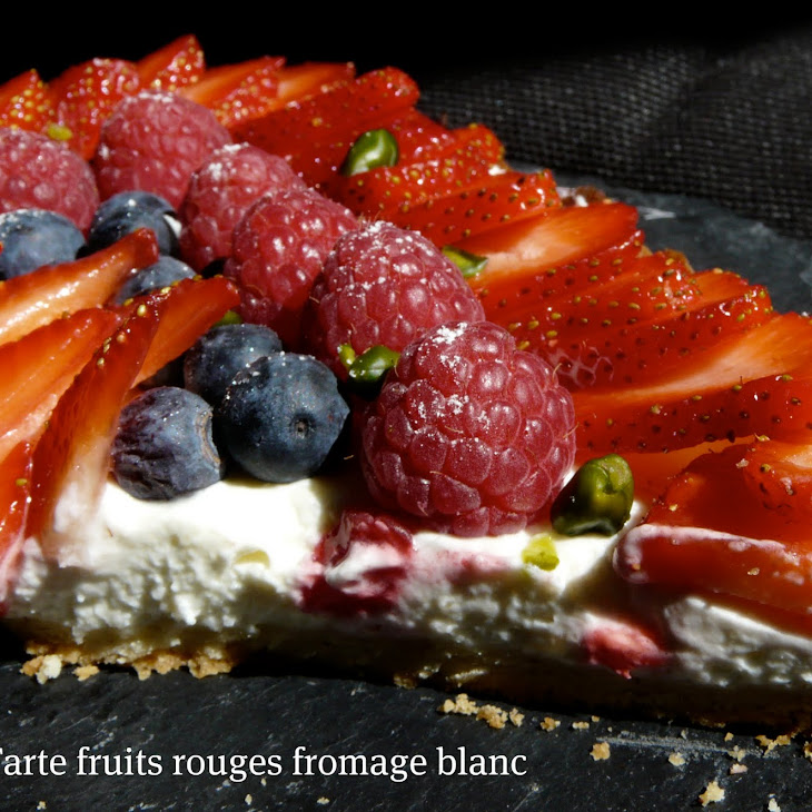 No-Bake Berries and Yogurt Tart.