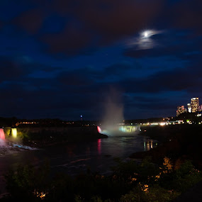 Niagara at Night by Robert Watson - Landscapes Waterscapes ( lights, waterfalls, night, long exposure, us/ca, travel, nikon, waterscapes, landscape,  )