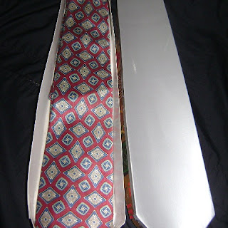 Caja de Regalo en Forma de Corbata
