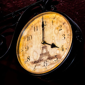 Horas by Fico Stein Montagne - Artistic Objects Antiques ( horas, clock, hours, reloj, antiguo reloj, old clock, nikon d7000,  )