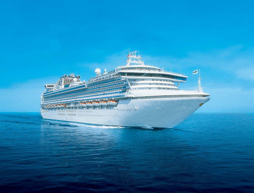 Sapphire-Princess-at-sea - Sapphire Princess has itineraries to Alaska, Thailand, Taiwan, Japan, Indonesia, Malaysia, Singapore, Cambodia, Vietnam and China.