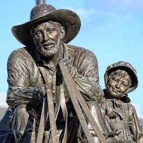 Omaha NE Park Monument by Leah N - Buildings & Architecture Statues & Monuments (  )
