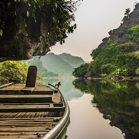 by Wahan Shahbazian - Landscapes Waterscapes ( water, nature, vietnam, rowboat, tam cốc, river )