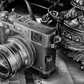 Fuji X100s by Ferdinand Ludo - Black & White Objects & Still Life ( fuji x serie black and white,  )