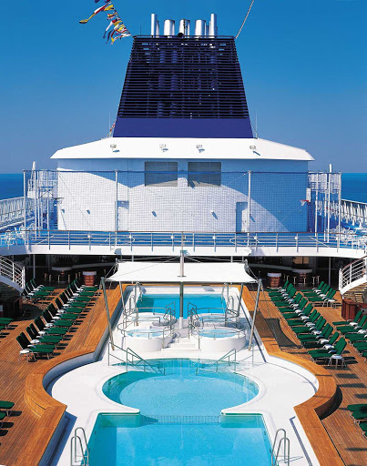 Norwegian-Sun-Sports-Deck-1 - Aside from the pools and lounge chairs on deck, Norwegian Sun also has various sports areas, from places to play table tennis and shuffleboard to a full-on basketball court.