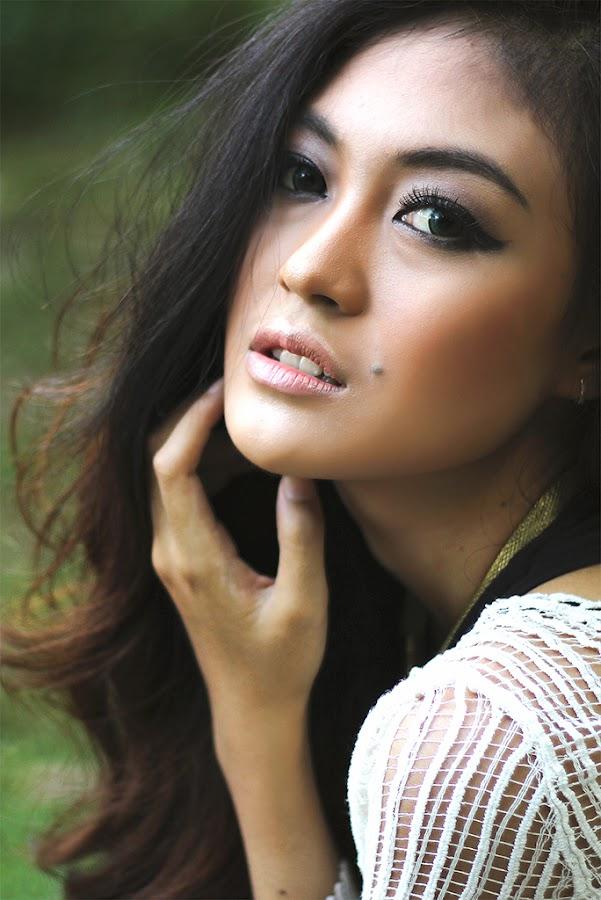 Rinna by Rino Akhmad Cahyadi - People Portraits of Women ( samarinda, indonesia )