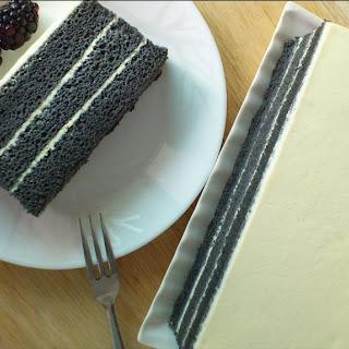 CHARCOAL CAKE (竹碳蛋糕)