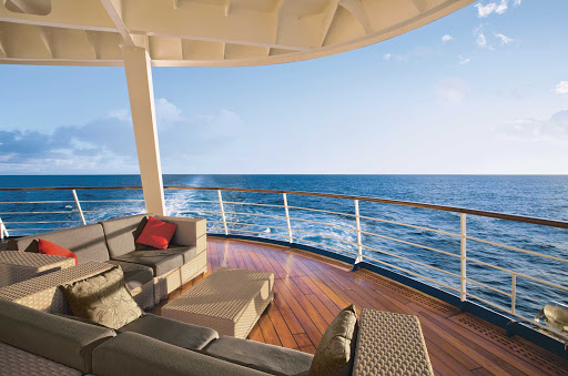 Regent-Seven-Seas-Voyager-Outside-Deck - Throughout your travels you'll enjoy spectacular views on the decks of Seven Seas Voyager.