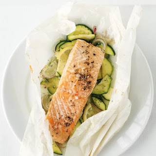 Salmon and Zucchini Baked in Parchment.