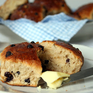 Dutch Currant Buns