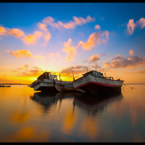 Morning Boat by Fadly Hj Halim - Landscapes Waterscapes ( clouds, bali, tuban, nikon d3, gnd 0.9, indonesia, fadly hj halim, morning, boat, cpl )